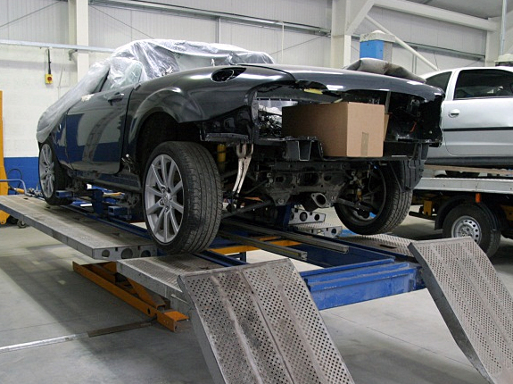 Aberdeen car body repairs elgin vehicle body smart repairs for Motor vehicle body repair